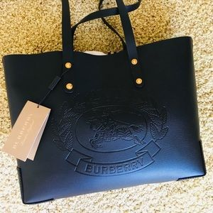 Burberry Tote Brand New 💯% Authentic